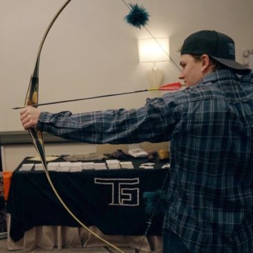 TG VLOG: Compton Traditional Bowhunter's Big Game Classic, Kevin's new RER longbow